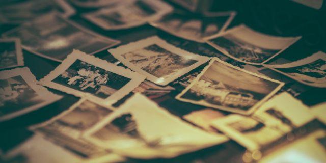album-antique-arrangement-699782.jpg